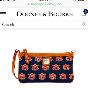 Dooney & Bourke Auburn wristlet